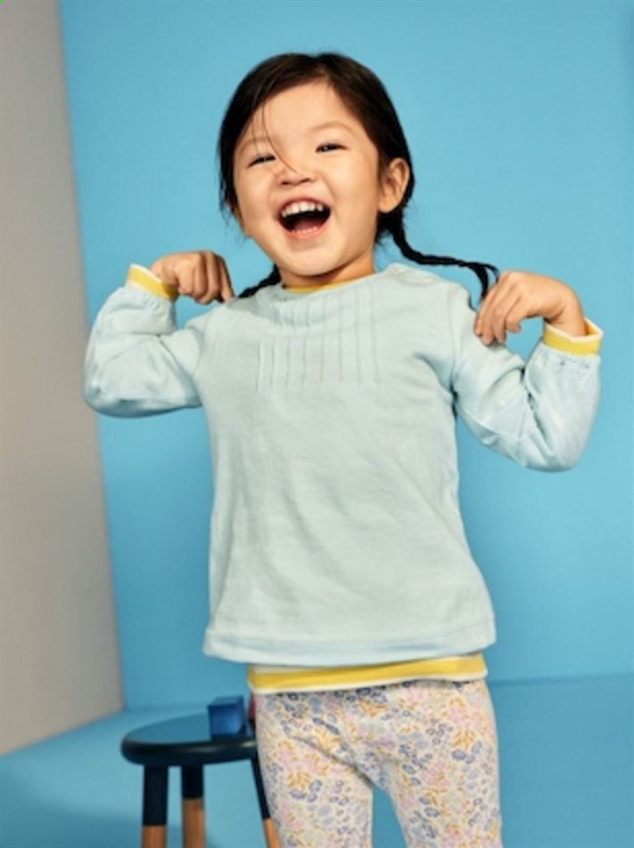Uniqlo catalogue . Page 13.
